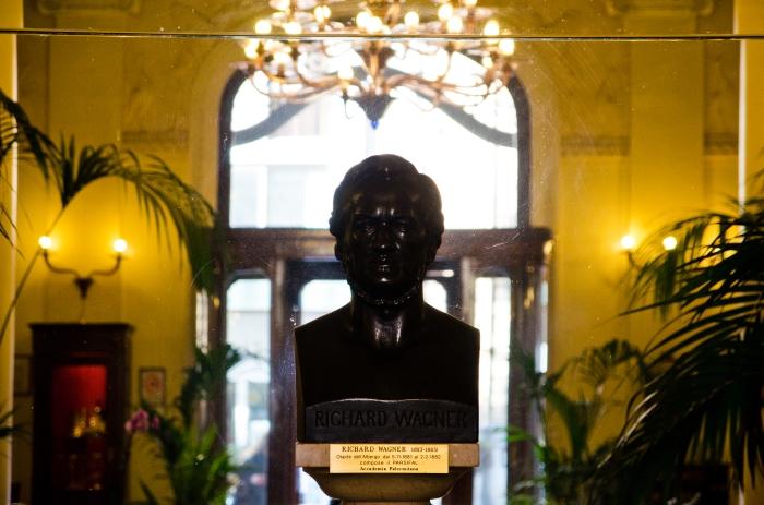 Il busto di Wagner al Grand Hotel des Palmes